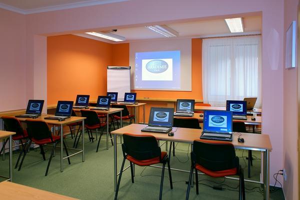 Image with ID 2350347: cz.educity.attachments.dto.Image@5792634e